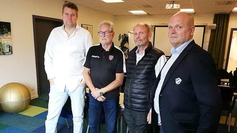 Bild på representanter från klubbarna i samarbetet.
