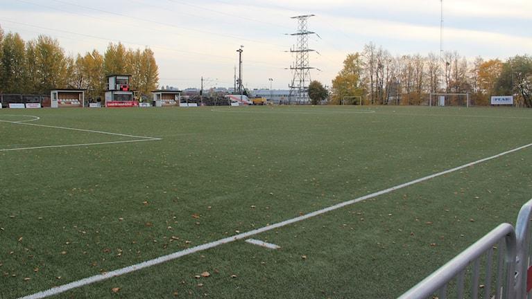 Ringvallens konstgräs i Västerås ca 55 minuter före matchstart på lördagen.