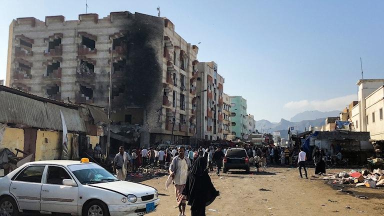 Kaos i Yemen efter en självmordsbombare.