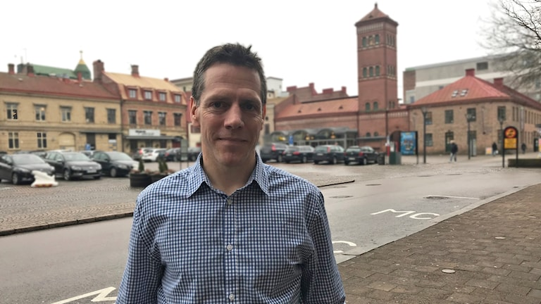 Thomas Wollentz berättar att Halmstad kommer satsa på nattkameror inom hemtjänsten.