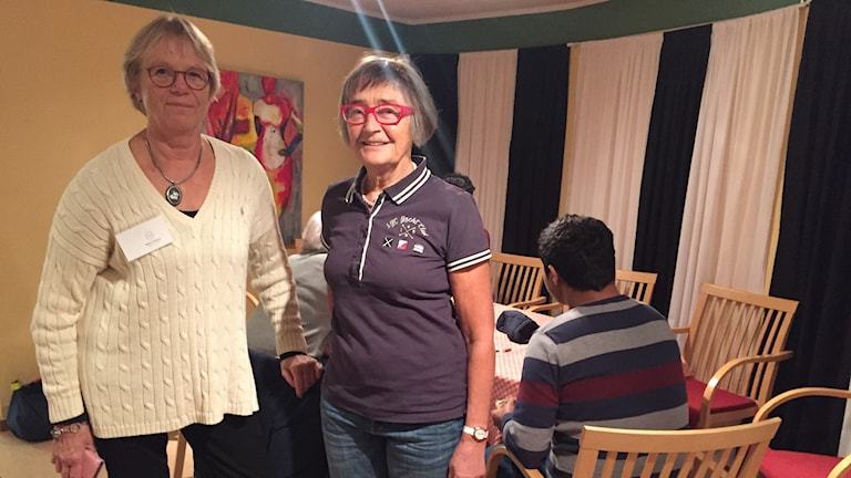 Birgit Nilsson och Ingri Svenungsson från föreningen Navet i Varberg vill att den nystartade kvinnogruppen ska locka fler nyanlända kvinnor. I kvinnogruppen övas det på svenska genom att man bara pratar svenska med varandra i lokalen. Det erbjuds också läxhjälp och i framtiden kommer det att hållas en kurs i hur man hittar nyttiga matvaror i butikerna vilket Ingri Svenungsson tror kan hjälpa kvinnorna att bli mer självständiga.