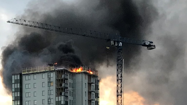 Brand i höghus i Falkenberg