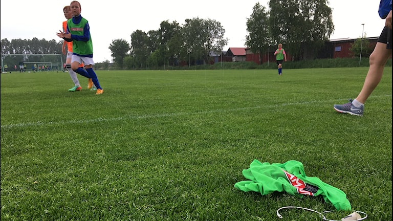 Kungsbacka IF:s P05 tränar på Inlag i Kungsbacka två gånger i veckan. Foto: Sveriges Radio
