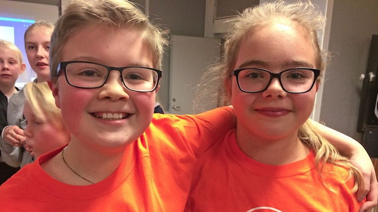 Emilia och Erik i Toråsskolan