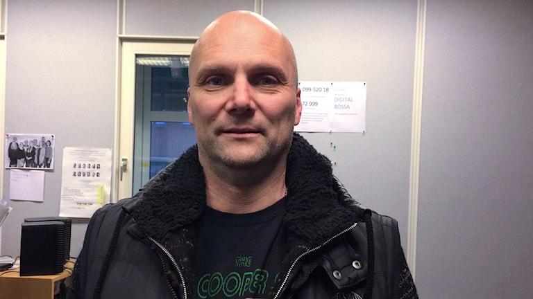 Lasse Pop Svensson ville hjälpa en HBK-supporter som inte hade råd med ett årskort.