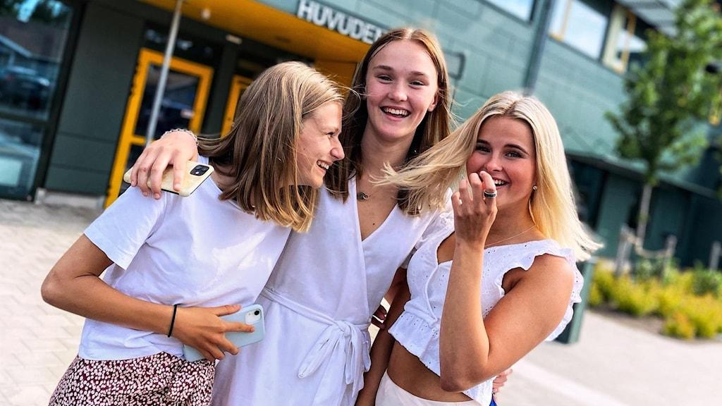 Högstadieeleverna på Kärlekens skola i Halmstad har haft skolavslutning.