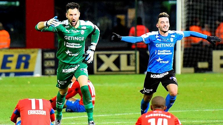Sead och Stojan jublar efter segern mot HIF.