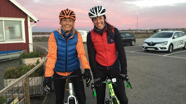 Idag cyklar Frida Fernbrant med Lisa Petrelius.
