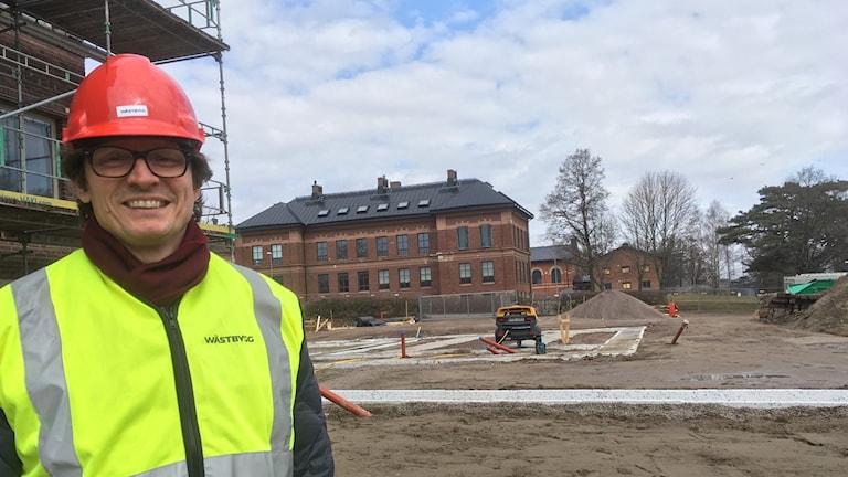 Hallands konstmuseums chef Magnus Jensner framför nybygget.