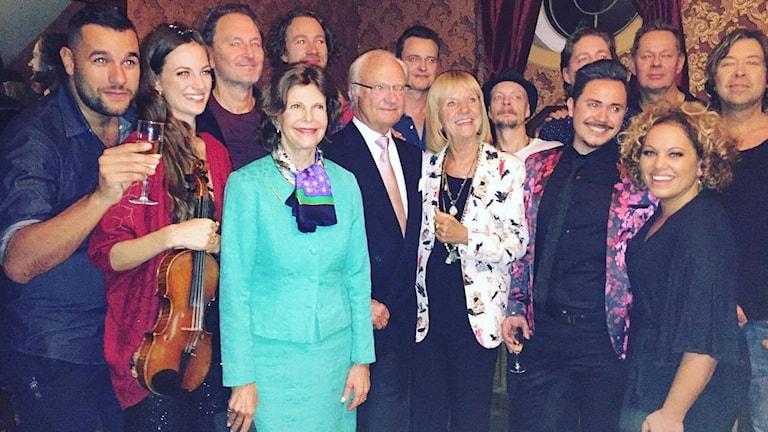Laila Adèle tillsammans med kungen och drottningen