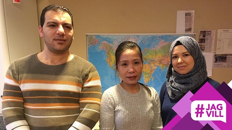 Raji Alkuntar, Thao Nguyen och Fadoua Lkesraoui läser SFI tillsammans.