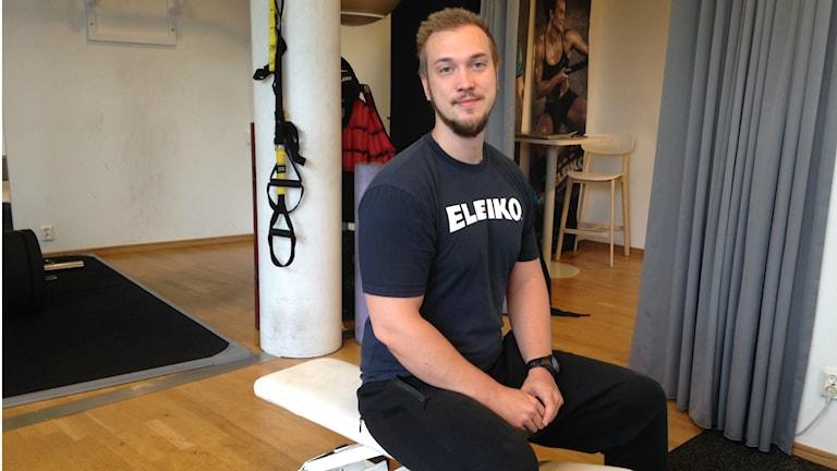 David Löfgren som är personlig tränare i Halmstad ser fram emot att komma igång med bättre träningsvanor nu när hösten snart är här. Foto: Therése Alhult/Sveriges Radio.