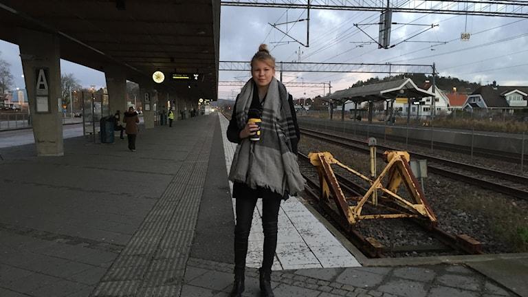 Alice Edblom från Kungsbacka pluggar på Lindholmens tekniska gymnasium i Göteborg, fick sin skoldag inställd på grund av EU-toppmötet. Istället får det bli en dag med kompisen, och eventuellt en fika i stan om det nu går.