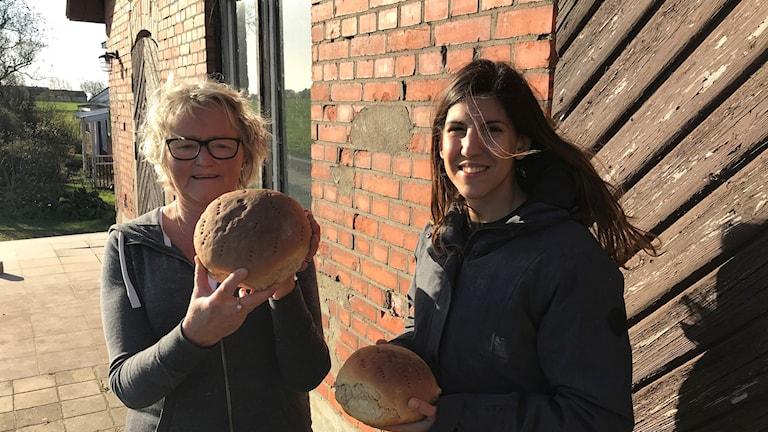 Inger Bengtsson och Therese Mårtensson som driver Morups mejeri