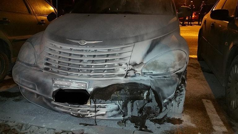 Sen i torsdags kväll brann en bil på Jaktfalksvägen i Halmstad.