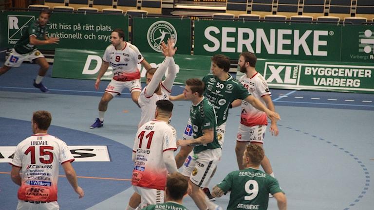 Handboll mellan HK Varberg och Hk Malmö.