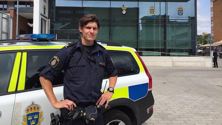 Andreas Takvam är en av Halmstads två områdespoliser.