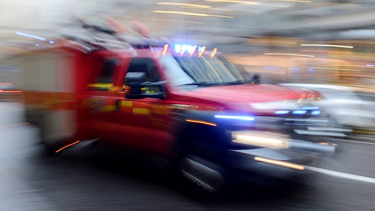 Räddningstjänsten under utryckning.