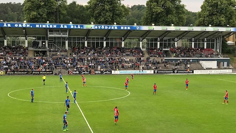 Bild över planen på Örjans vall innan match