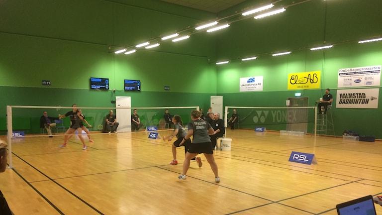 Halmstad möter Skogås i Svenska Badmintonligan.
