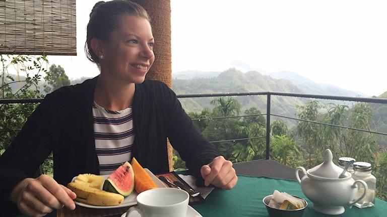 Malin Matsson äter frukost.