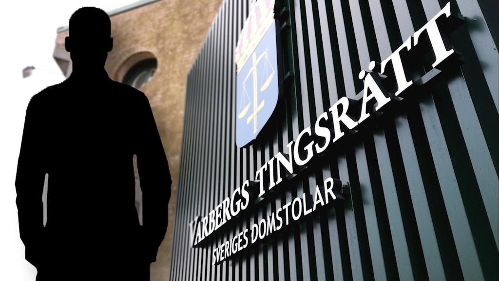 """En byggnad med texten """"Varbergs tingsrätt Sveriges domstolar"""". Till höger syns en siluett av en man."""