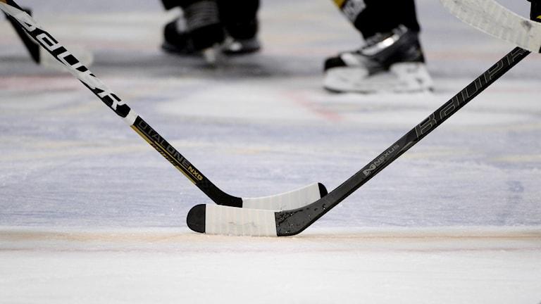 ishockeyklubbor på is