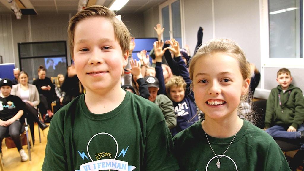 Axel Jungermann och Hilla Lilja som tävlar för Nova Montessoriskola.