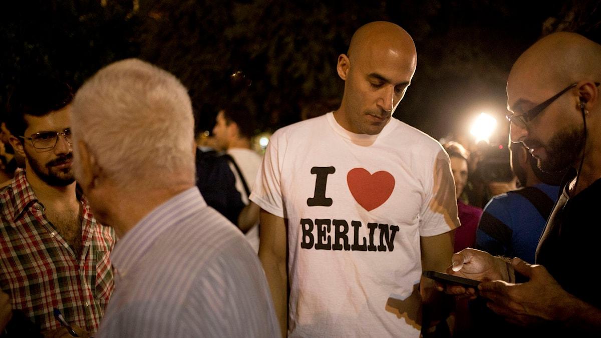 Israeler i Berlin uppmanar andra att flytta ifrån Israel till just Berlin, något som startat en intensiv debatt. Foto: Ariel Schalit/AP