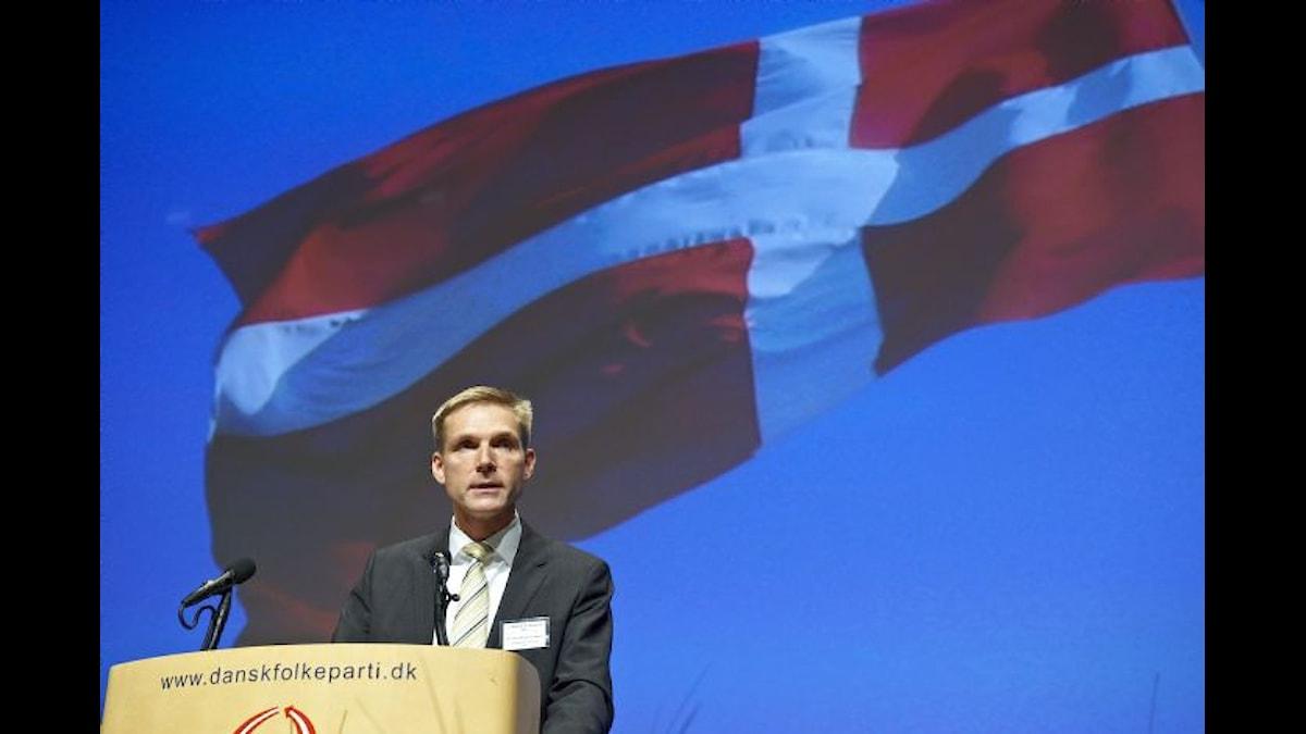 Dansk Folkepartis nye partiledare, Kristian Thulesen Dahl, talar på partiets årsmöte 2012. Foto: Carsten Lundager/Dansk Folkeparti