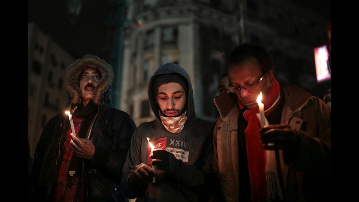 Paris kvällen den 10e december foto AP/Mosa'ab Elshamy