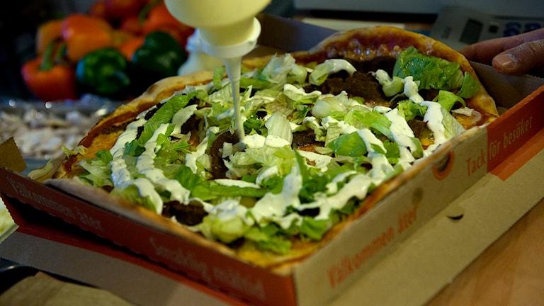 En kebabpizza från Stockholm. Foto Maja Suslin/Scanpix