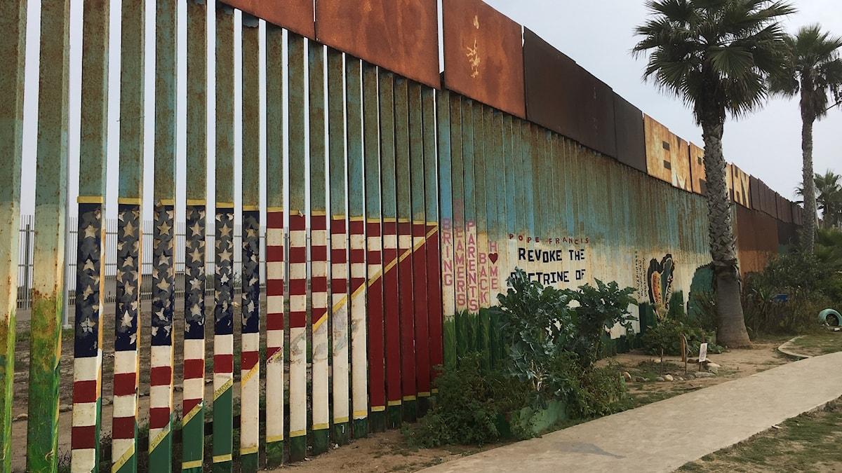 Muren som separerar Tijuana och San Diego. Foto: Lotten Collin/Sveriges Radio.