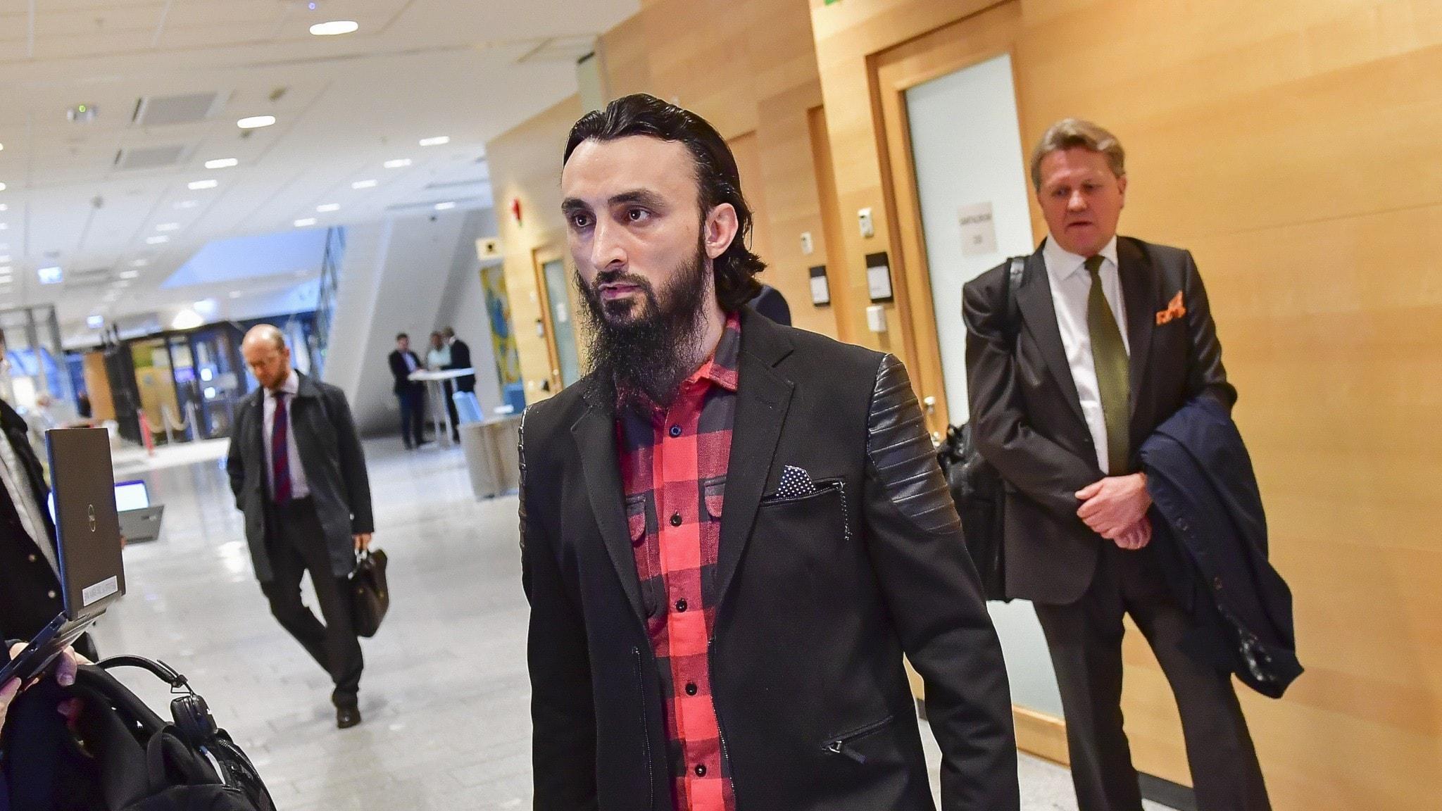 De jagas för sina åsikter – även i Sverige