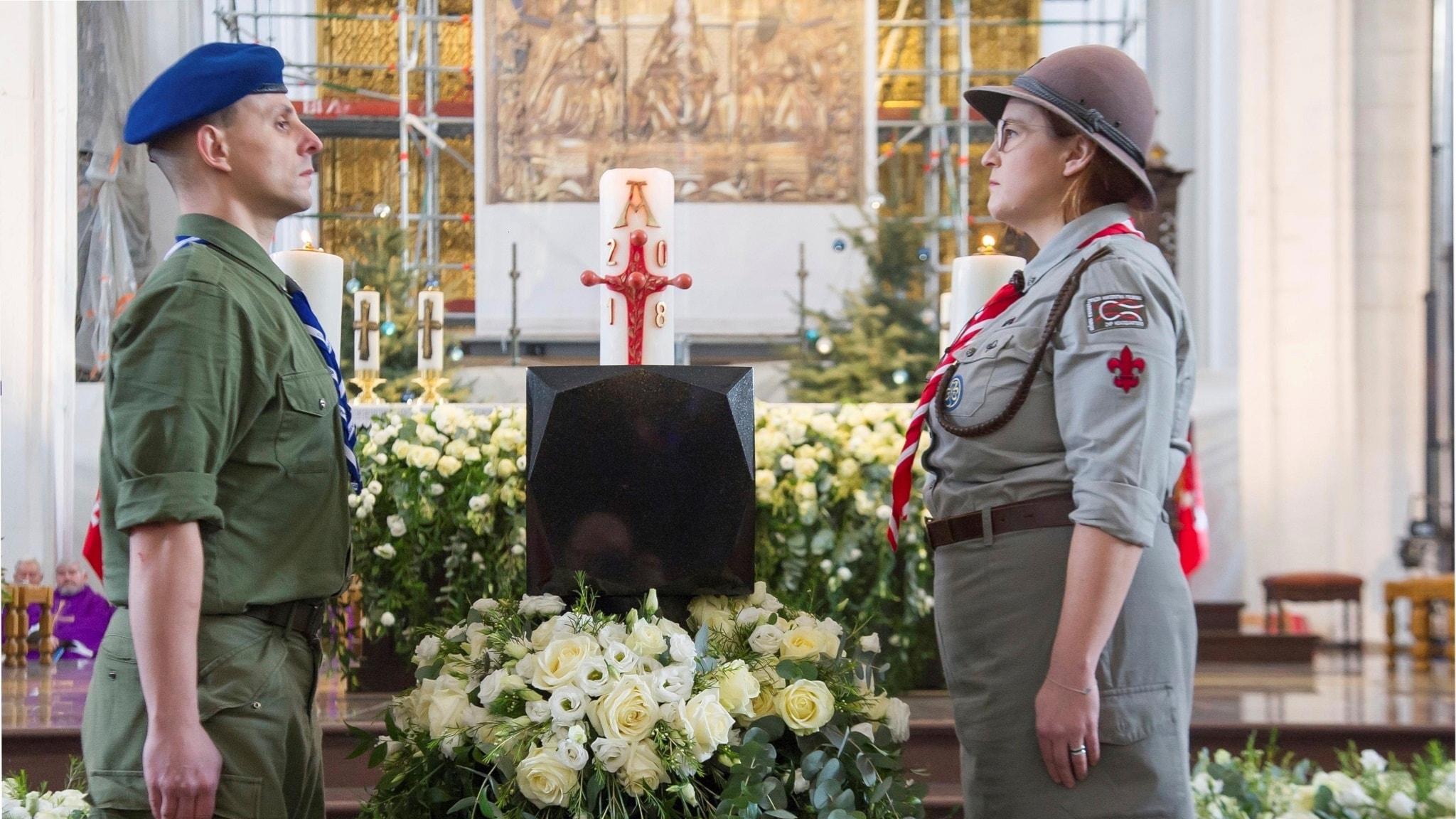 Pawel Adamowicz urna i en kyrka i Gdansk.