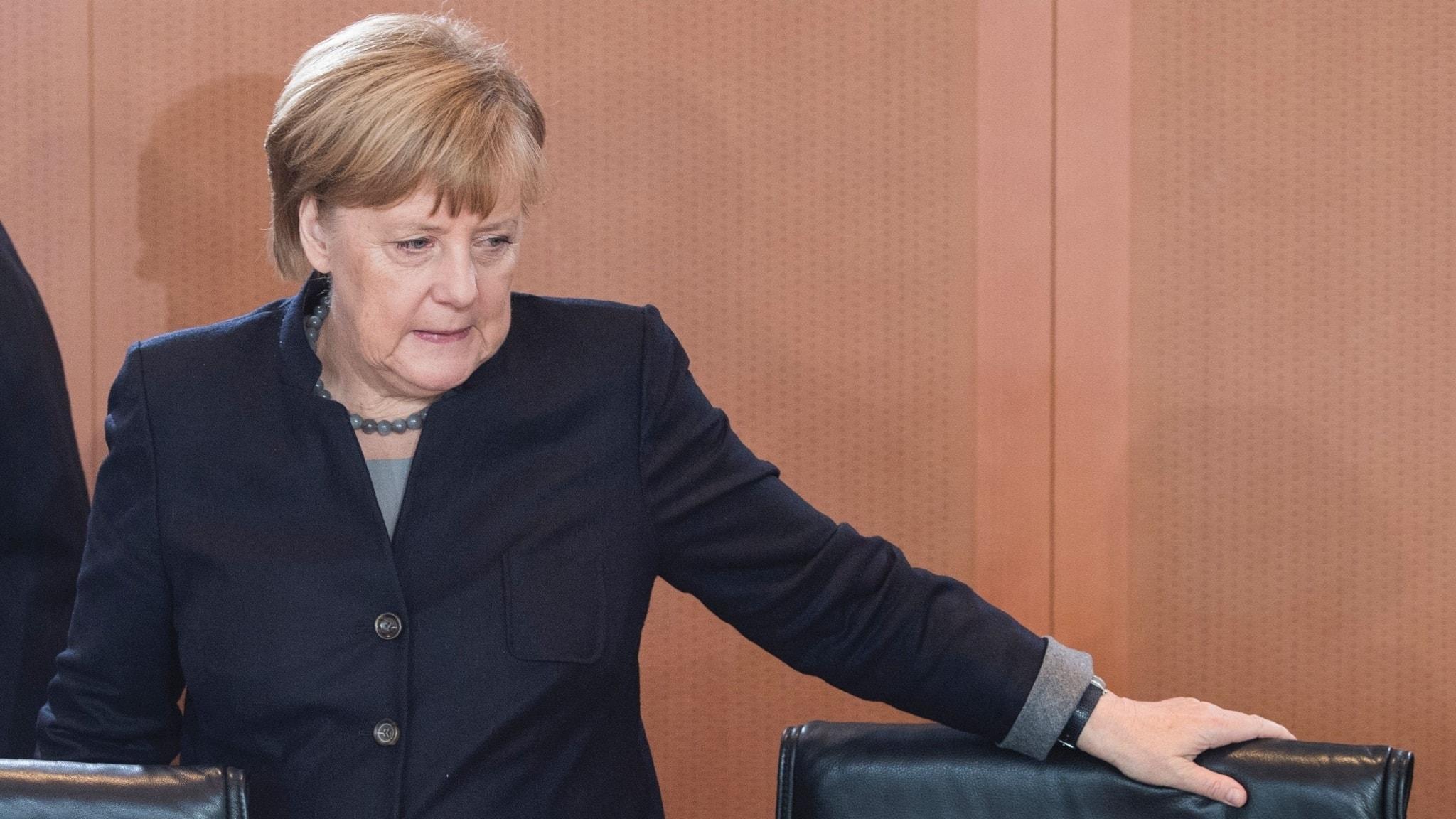 Tysklands förbundskansler Angela Merkel är pressad efter flyktingkrisen.
