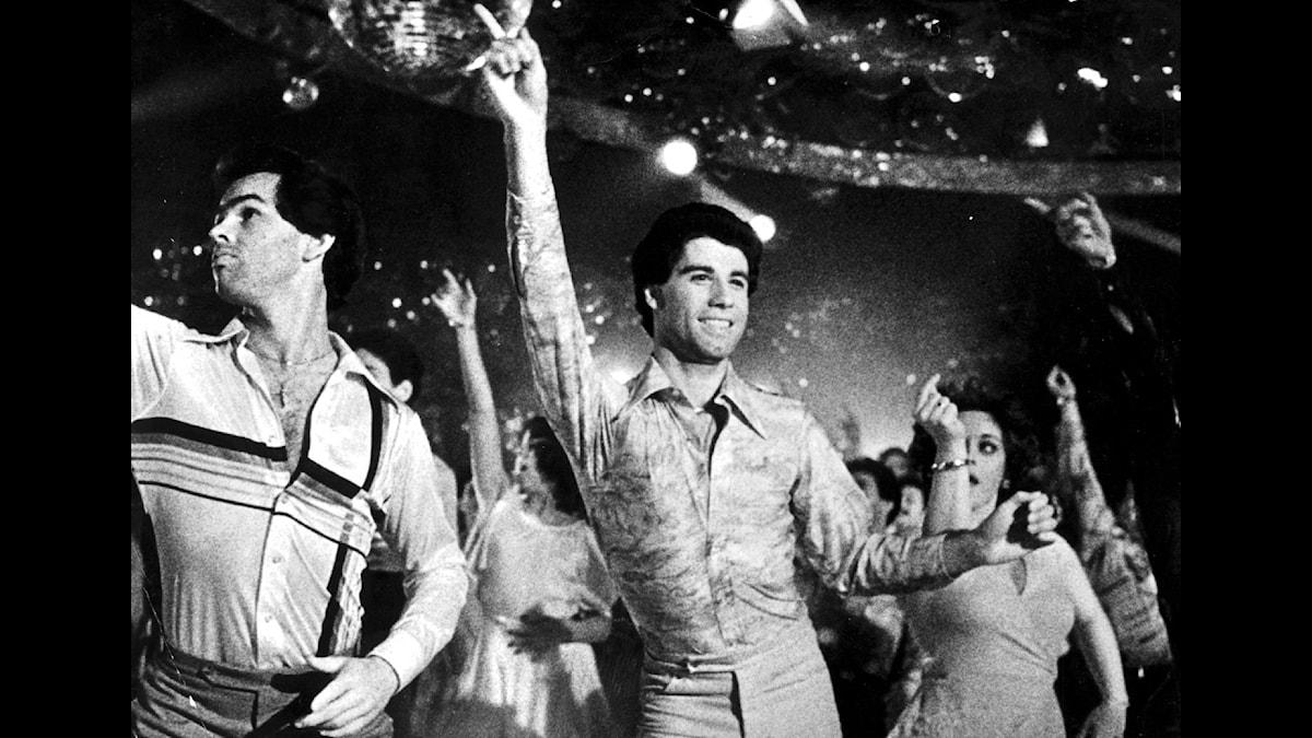 John Travolta i den klassiska diskofilmen Saturday Night Fever. (Foto: TT)