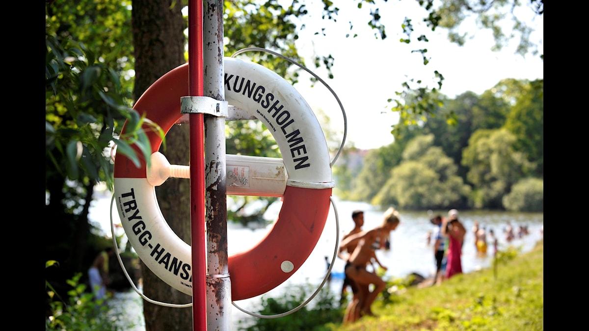 Med värme och sol ökar nu risken för drunkningsolyckor, ett av de största folkhälsoproblemen i världen.