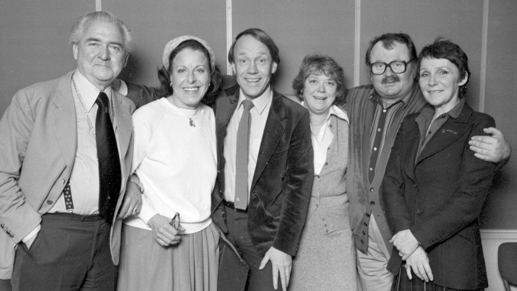 På minuten, 1989. Stig Järrel, Margaretha Krook, Lennart Swahn, Ursula Richter, Moltas Erikson och Catrin Westerlund. Foto: Sveriges Radio