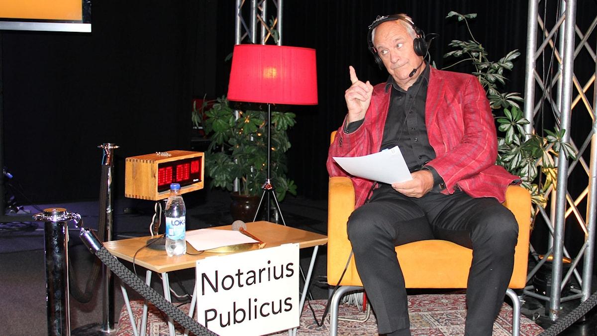 Tomas Bolme som notarie publicus. Foto: Stina Ericsson /Sveriges Radio