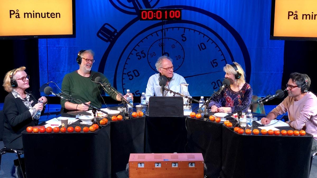 Marie Göransson, Hans Rosenfeldt, Ingvar Storm, Pia Johansson och David Batra.  På Minuten-inspelning den 4/12-2017.