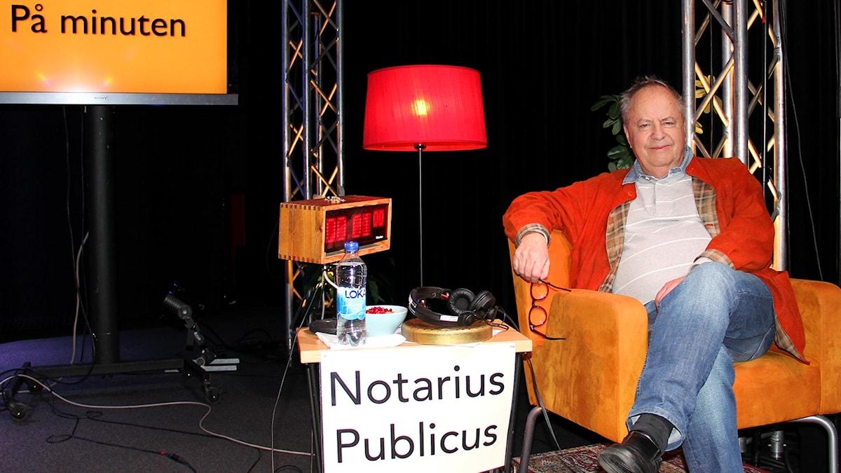 Notarius Publicus Helge Skoog i På minuten.