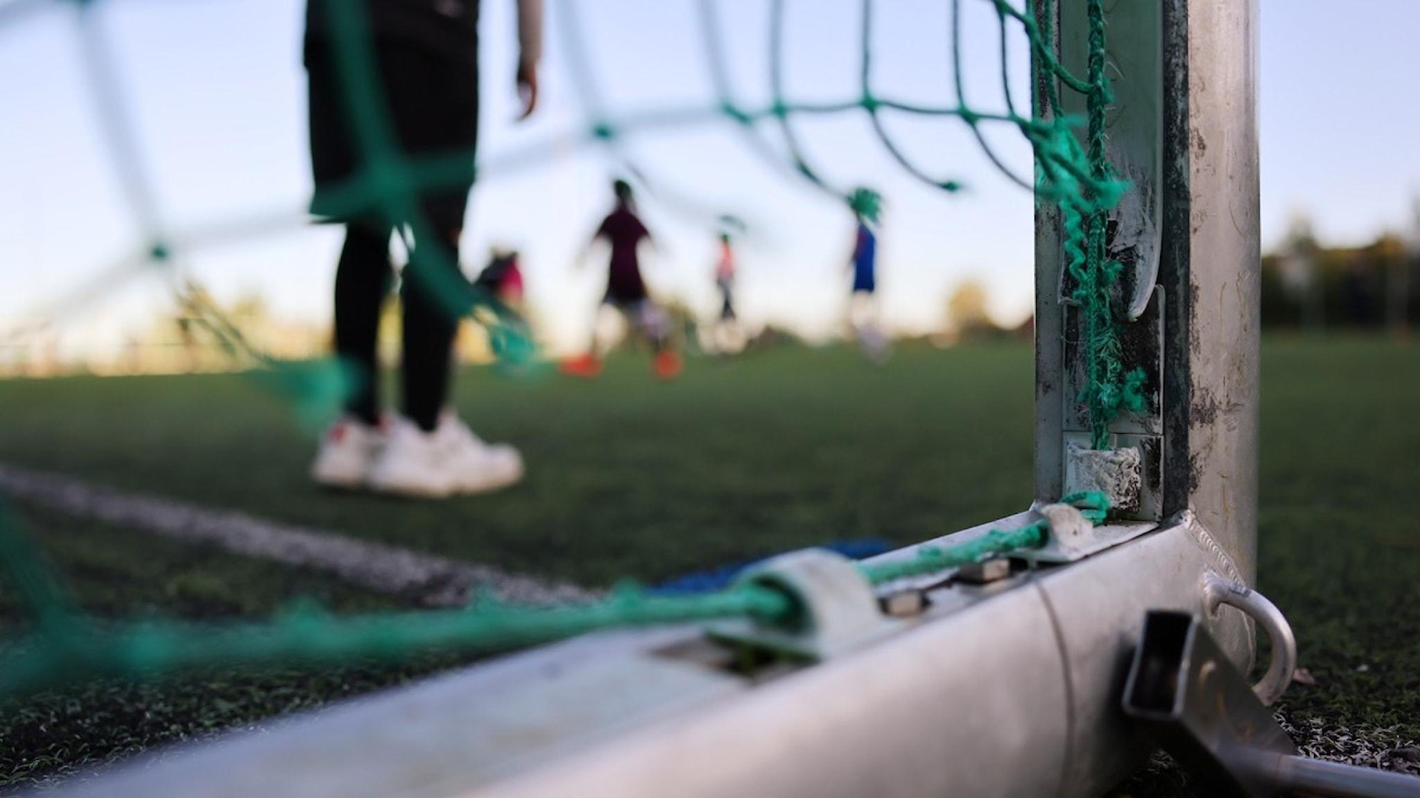 Bild på trasigt fotbollsmål