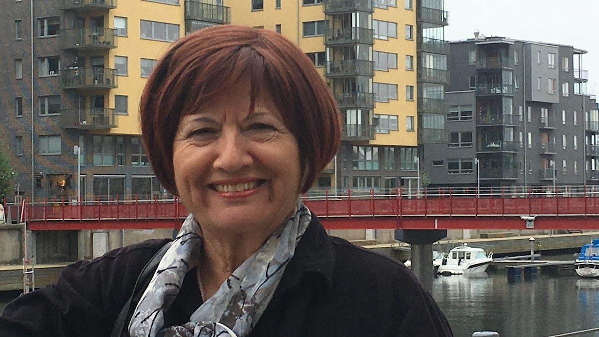 Ariella Lindström.