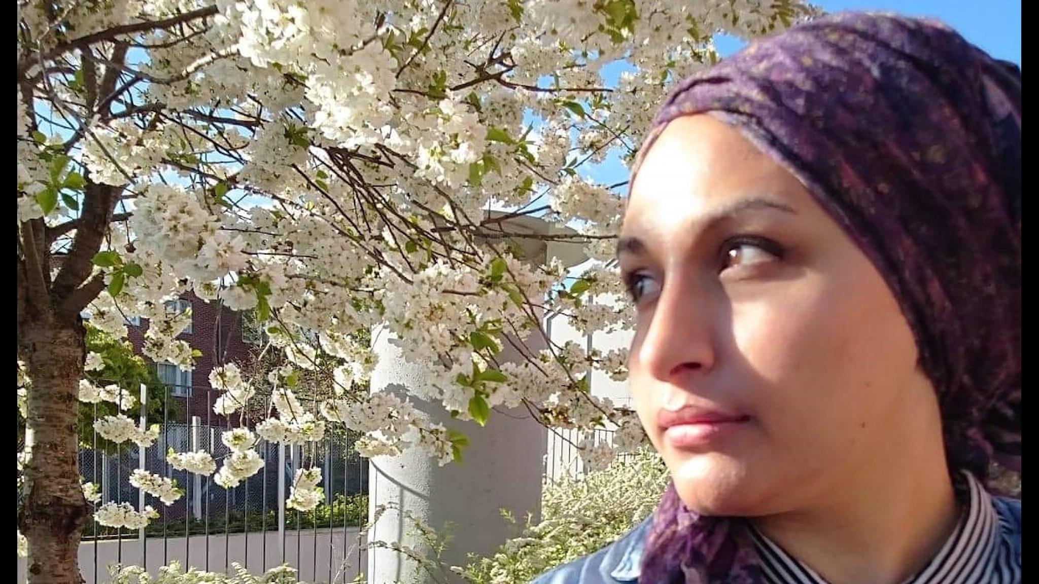blommande träd, huvudduk