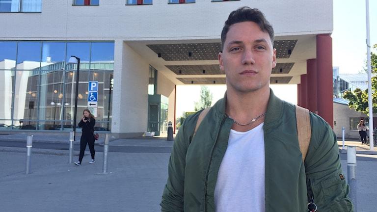 Alexander Wingbro, ny student vid universitetet från Kungsbacka.