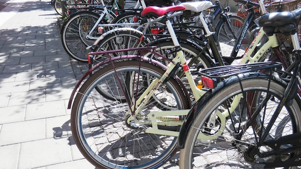 cyklar, cykelställ, cyklister, cykeltrafik