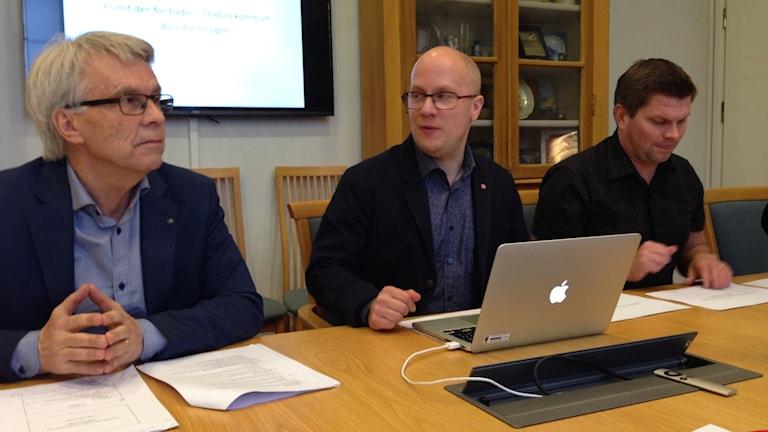 Presskonferens badanläggningar, Lennart Bondeson, Kenneth Nilsson, Per-Åke Sörman