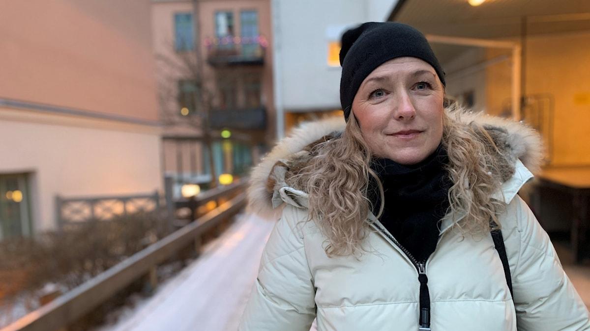 Karin Bergman i centrala Örebro en vinterdag
