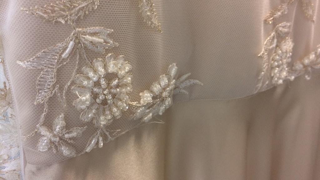 Detalj på balklänning.